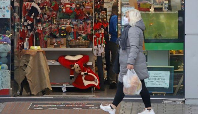 Lockdown: Τι θα ανοίξει και τι όχι τα Χριστούγεννα - Τρεις μέρες καραντίνα για τους Έλληνες του Εξωτερικού