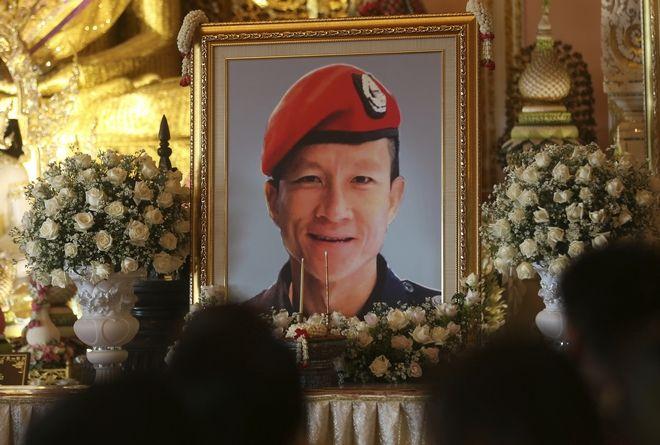 Ο Ταϊλανδός πρώην βατραχάνθρωπος Σαμάν Γκουνάν που έχασε τη ζωή του προσπαθώντας να βοηθήσει τα παιδιά και τον προπονητή τους