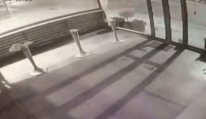 Βίντεο: Η στιγμή της έκρηξης στο κατάστημα επίπλων στο Μαρούσι