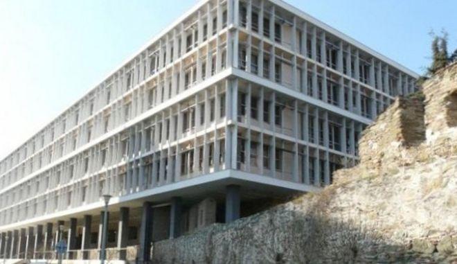 Κύκλωμα παράνομων υιοθεσιών: Ελεύθεροι υπό όρους έξι κατηγορούμενοι
