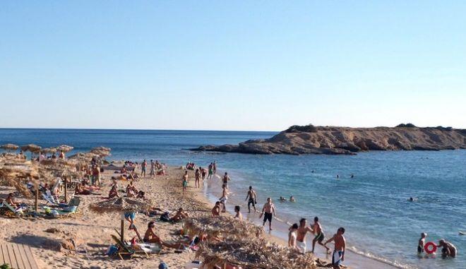 Παραλία Αγίας Μαρίνας