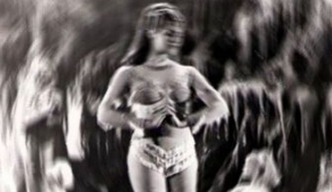 Μηχανή του Χρόνου: Η συγκλονιστική ιστορία της Ελληνίδας χορεύτριας, που την πούλησαν σε χαρέμι Άραβα και εξαφανίσθηκε, τη δεκαετία του '50
