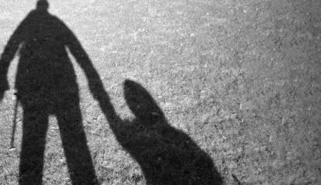 Συνελήφθη επ' αυτοφώρω 40χρονος παιδεραστής