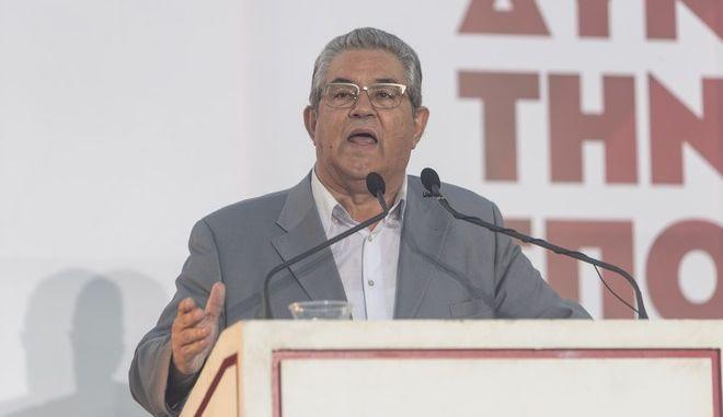 Ο γγ της ΚΕ του ΚΚΕ Δημήτρης Κουτσούμπας σε ομιλία του
