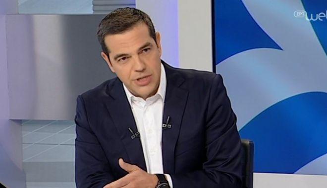 Τσίπρας: Με τη συμφωνία δεν βλέπω να δίνουμε κάτι, μόνο να παίρνουμε