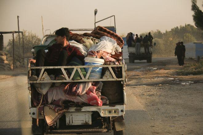 Χιλιάδες άμαχοι φεύγουν για να γλυτώσουν από την τουρκική επίθεση στη Συρία