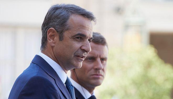 Ο Κυριάκος Μητσοτάκης και ο Εμμανουέλ Μακρόν