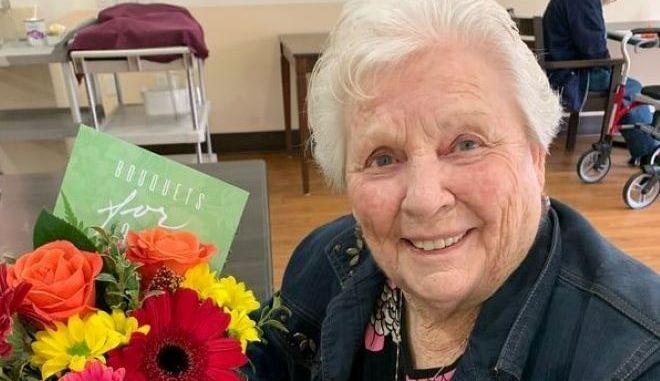 Καναδάς: Τα δωρεάν λουλούδια που φέρνουν χαμόγελα στους ηλικιωμένους