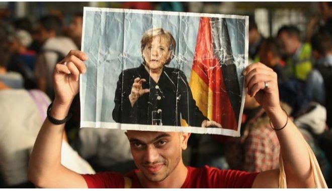 Μέρκελ: Η Ελλάδα δεν επιτρέπεται να αφεθεί μόνη στο προσφυγικό