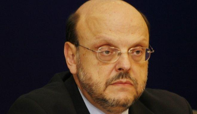 Αντώναρος ζητά παραίτηση Γεωργιάδη: Ο σεξιστής μουσαφιραίος δοτός αντιπρόεδρος