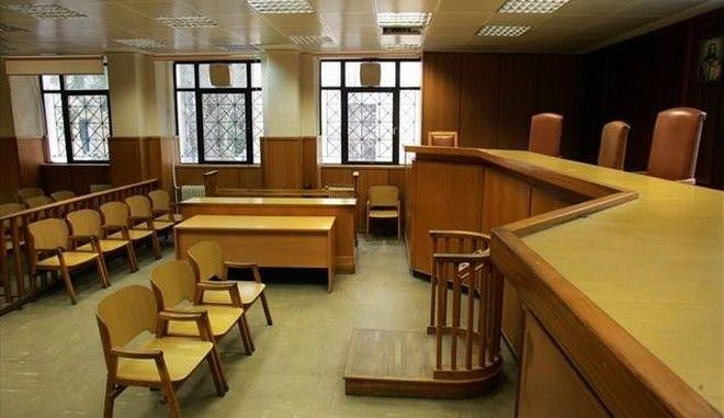 Ένοχος 45χρονος για αποπλάνηση ανηλίκων σε σχολείο. Ελεύθερος με όρους και εγγύηση