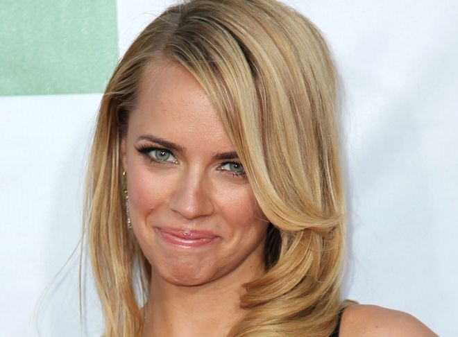 Cast member Jessica Barth arrives at the premiere for
