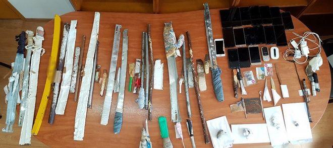 Έφοδος στις Φυλακές Νέων Αυλώνα: Κατασχέθηκαν αυτοσχέδια σπαθιά και μαχαίρια