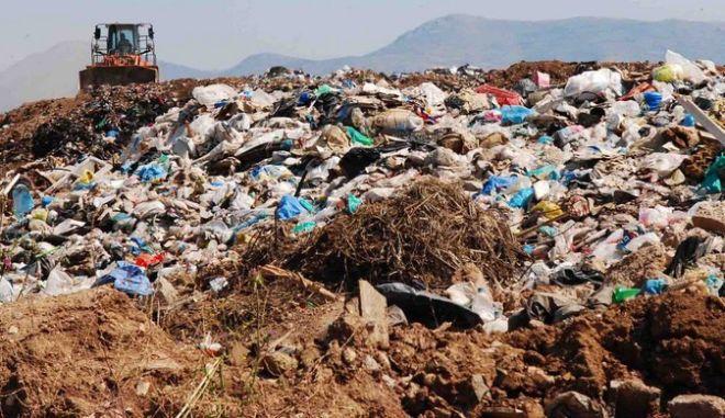 Ραδιενεργά απόβλητα στον ΧΥΤΑ Φυλής: Αυτόφωρη διαδικασία για τον αρμόδιο αντιδήμαρχο