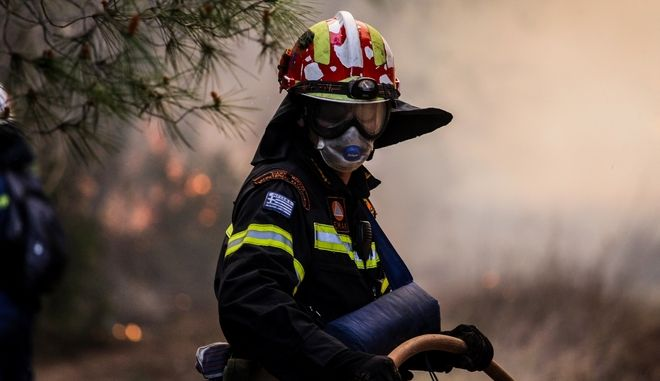 Πυροσβέστης - φωτογραφία αρχείου (EUROKINISSI/ILIALIVE.GR/ΓΙΑΝΝΗΣ ΣΠΥΡΟΥΝΗΣ)