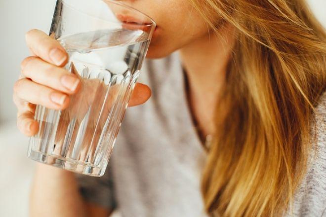 Η γνώμη της ειδικού: τα οφέλη του νερού στον οργανισμό μας μέσα από τα μάτια μιας διατροφολόγου