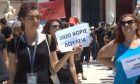 """Τουριστικοί ξεναγοί: """"Έχουμε καταστραφεί, η πολιτεία πρέπει να μας στηρίξει"""""""