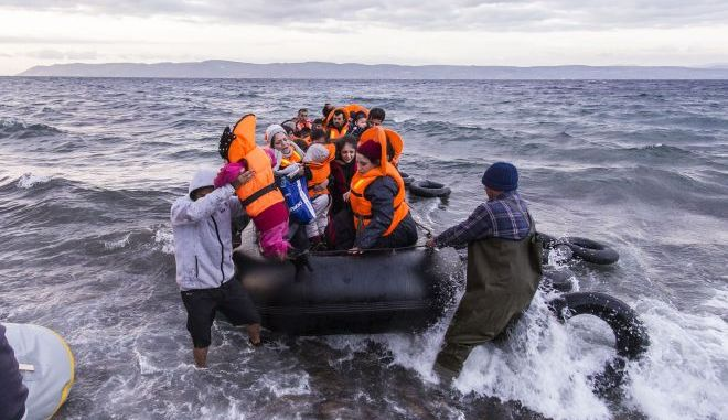 Πρόσφυγες στην θάλασσα (φωτογραφία αρχείου)