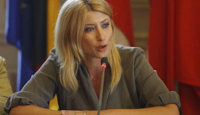 Ο Υφυπουργός Εξωτερικών Δημήτρης Κούρκουλας παρεσστη και  εκφωνήσε ομιλία με θέμα «Δίχως Ευρώπη: Όνειρο ή Εφιάλτης;» σε εκδήλωση που  πραγματοποιηθηκε  με την ευκαιρία του εορτασμού της Ημέρας της Ευρώπης.. Η εκδήλωση διοργανωθηκει από το Ευρωπαϊκό Κοινοβούλιο και την Αντιπροσωπεία της Ευρωπαϊκής Επιτροπής στην Αθήνα στο γραφείο του Ευρωπαϊκού Κοινοβουλίου στην Ελλάδα. --Στη φωτο---ΡΟΔΗ ΚΡΑΤΣΑ(ΕΥΡΩΒΟΥΛΕΥΤΗΣ)- ΔΗΜΗΤΡΗΣ ΚΟΥΡΚΟΥΛΑΣ(ΥΦΥΠ.ΕΞ)- -ΛΕΩΝΙΔΑΣ ΑΝΤΩΝΑΚΟΠΟΥΛΟΣ--ΠΑΝΟΣ ΚΑΡΒΟΥΝΗΣ--ΣΙΑ ΚΟΣΙΩΝΗ(ΔΗΜΟΣΙΟΓΡΑΦΟΣ)- -ΝΙΚΟΣ ΧΡΥΣΟΓΕΛΛΟΣ(ΕΥΡΩΒΟΥΛΕΥΤΗΣ)--ΦΩΤΟ ΧΡΗΣΤΟΣ ΜΠΟΝΗΣ//EUROKINISSI