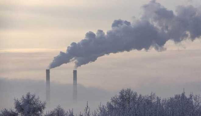 Το Ευρωπαϊκό Κοινοβούλιο υπερψήφισε την ταχύτερη μείωση των εκπομπών CO2