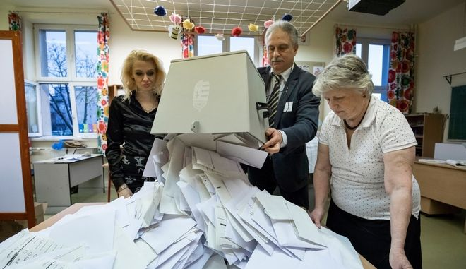 Καταμέτρηση των ψήφων στην Ουγγαρία
