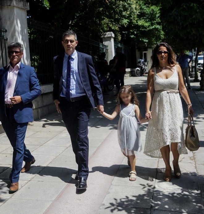 Ο υφυπουργός Ανάπτυξης Χρίστος Δήμας μαζί με τη σύζυγο και την κόρη του