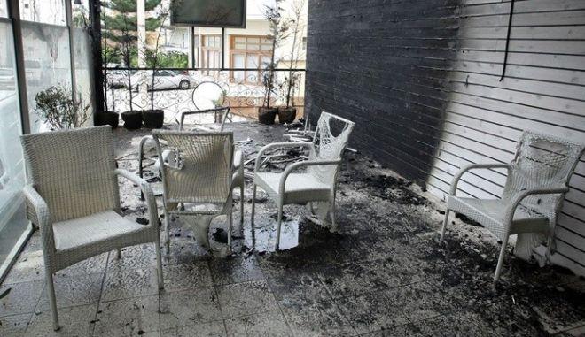Οικογένεια στην Κρήτη επικήρυξε τους εμπρηστές του καταστήματός της