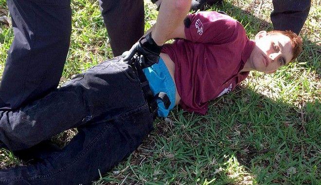 Από το Columbine στη Φλόριντα: Οι πιο αιματηρές επιθέσεις σε σχολεία των ΗΠΑ