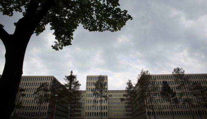 Spiegel: Η γερμανική BND κατασκόπευε τα γραφεία της Interpol (και) στην Ελλάδα