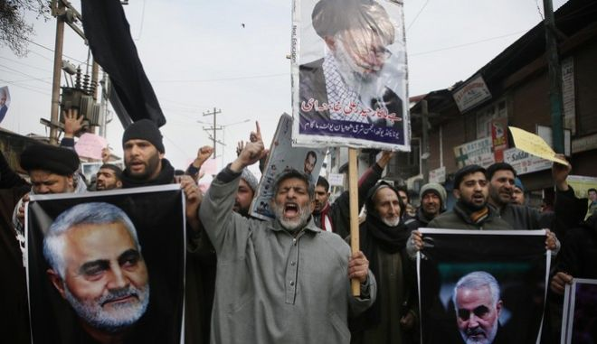 Οργισμένοι Ιρανοί διαδηλώνουν κατά της δολοφονίας του Κασέμ Σουλεϊμανί