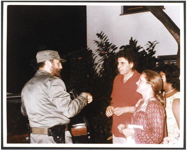 Μηχανή του Χρόνου: Γιατί ο Κάστρο έκλαψε όταν άκουσε τον Πέτρο Πανδή να τραγουδά το 'Canto General' του Θεοδωράκη