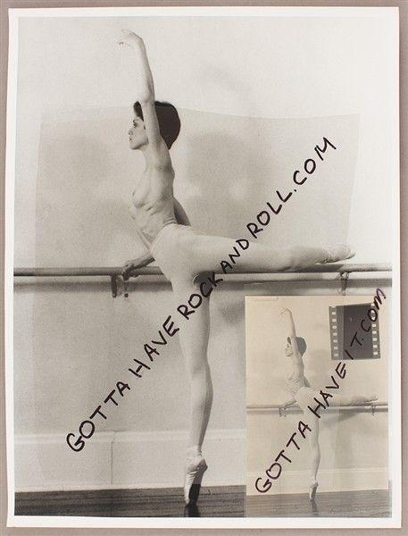Σε δημοπρασία άγνωστες γυμνές φωτογραφίες της... 18χρονης Μαντόνα