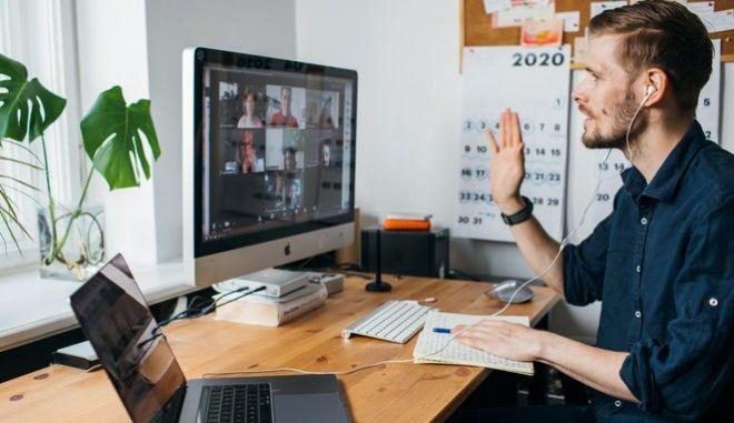 Zoom: Εισάγει τη μετάφραση γλωσσών σε πραγματικό χρόνο
