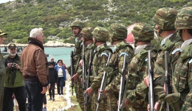 Ο υπουργός Εθνικής Άμυνας Ευάγγελος Αποστολάκης στη Ρω