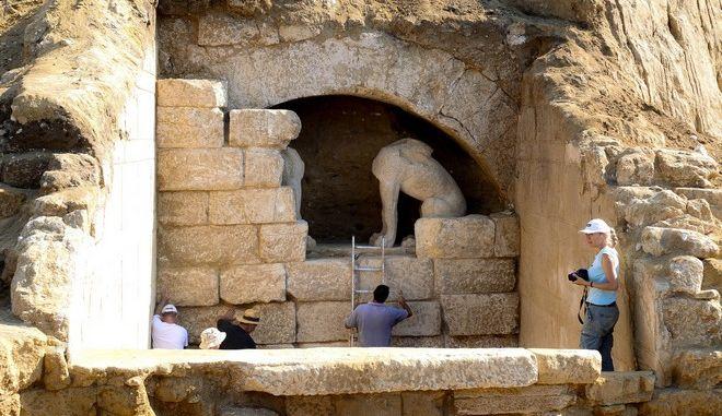 Ξυδάκης για Αμφίπολη: Μέχρι τον Σεπτέμβριο η εκπόνηση μελετών. Προτεραιότητα η προστασία του μνημείου