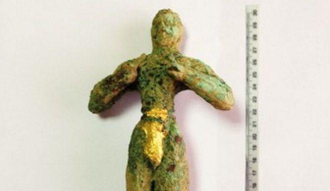 Χειροπέδες σε αρχαιοκάπηλους στην Κρήτη