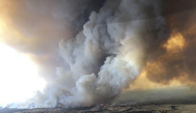 Καπνοί από τις φονικές πυρκαγιές στην Αυστραλία