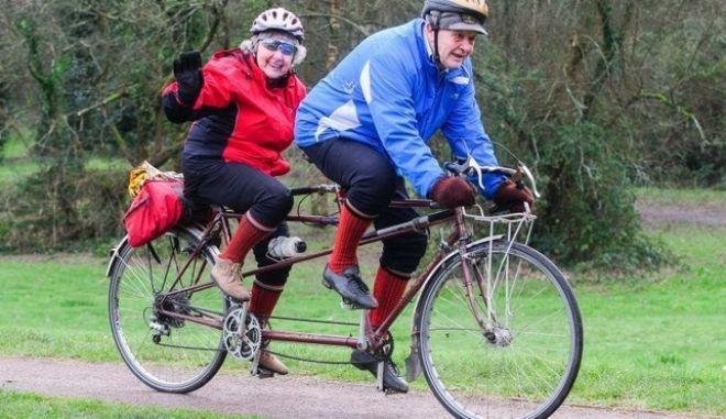 Κάνουν ποδήλατο 66 χρόνια μαζί και έχουν διανύσει πάνω από 200.000 χιλιόμετρα
