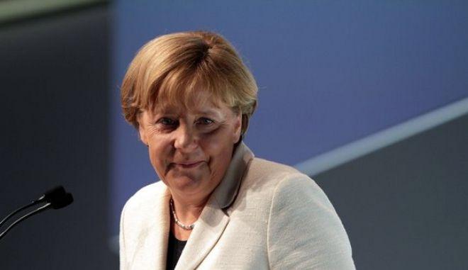 Η Μέρκελ που επέβαλε τη λιτότητα τώρα εκφράζει την έκπληξη της για την άνοδο της ακροδεξιάς στην Ε.Ε