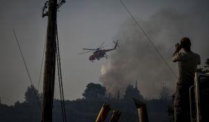 Μαίνεται η μεγάλη φωτιά στα Λουρδάτα Κεφαλονιάς
