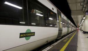 Λονδίνο: Συναγερμός για φωτιά σιδηροδρομικό σταθμό των Ντόκλαντς