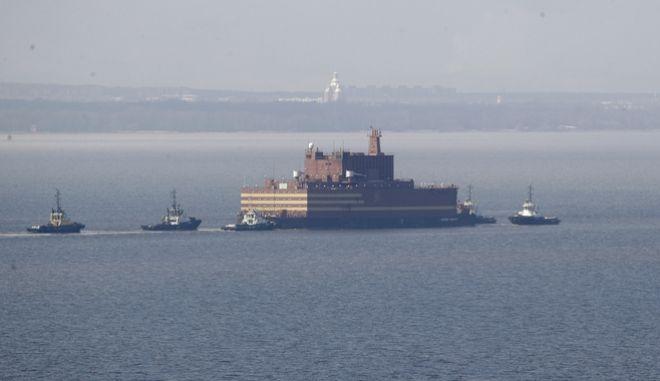 Ο πλωτός πυρηνικός σταθμός Akademik Lomonosov. Φωτογραφία αρχείου.