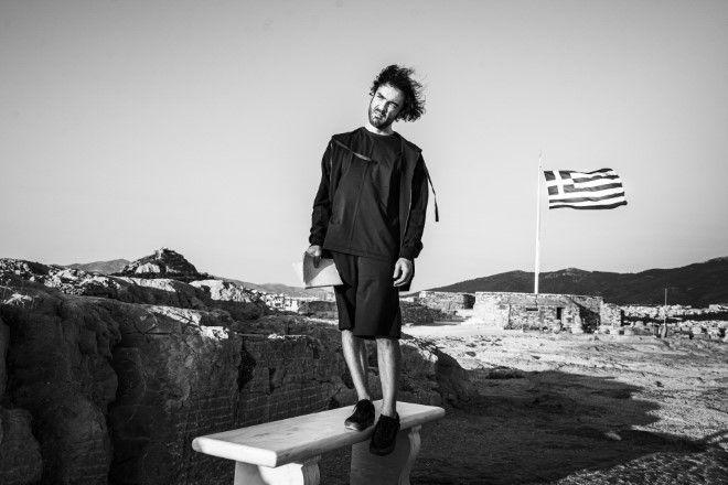 Δημήτρης Κουρούμπαλης- Στη σκιά του Ομήρου