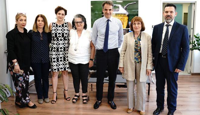 Με την Ελληνική Ομοσπονδία Καρκίνου συναντήθηκε ο Μητσοτάκης