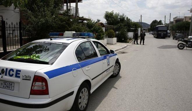 """Κόρινθος: Αστυνομικοί """"γράφουν"""" αστυνομικούς για παρκάρισμα - Τους πήραν και τις πινακίδες"""