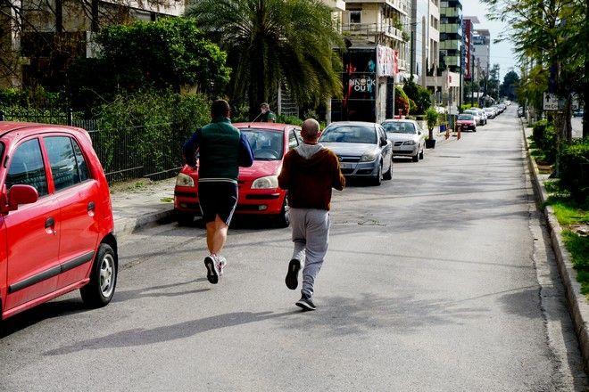 Έλληνες βγαίνουν για σωματική άθληση