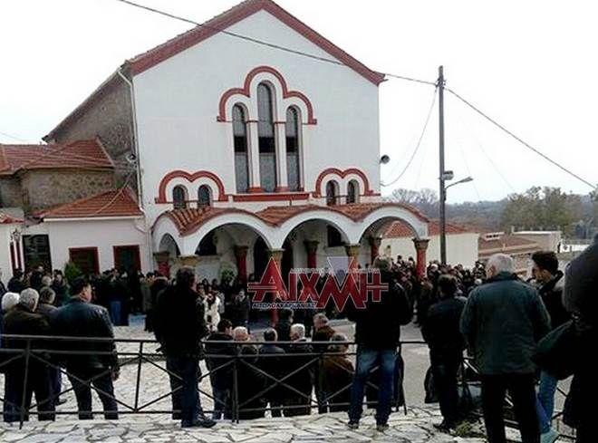 Αιτωλοακαρνανία: Θρήνος στην κηδεία της 44χρονης μητέρας