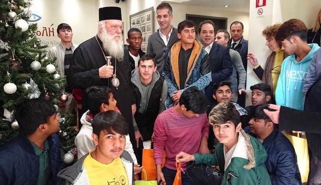 """Στην """"Αποστολή"""" ο Κώστας Μπακογιάννης μαζί με τον Αρχιεπίσκοπο"""
