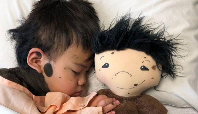 Απίστευτη γυναίκα φτιάχνει κούκλες - ωδή στη διαφορετικότητα