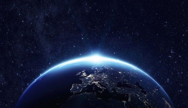 """""""Ώρα της Γης"""" 2018: Τα φώτα σβήνουν για την προστασία της φύσης"""
